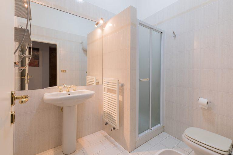 Apartament Lucignano Garden on the wall Bathroom (2)
