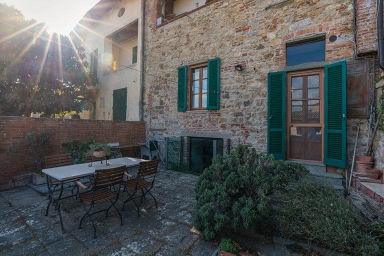 Apartament Lucignano Garden on the wall balcony