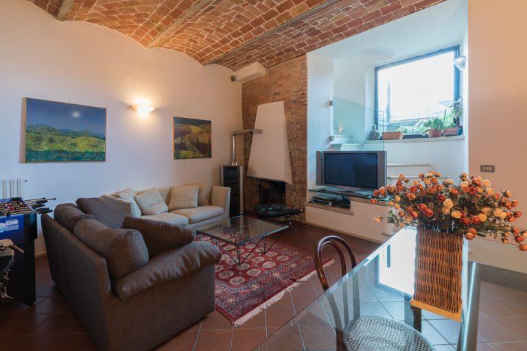 Apartament Lucignano Garden on the wall living-room