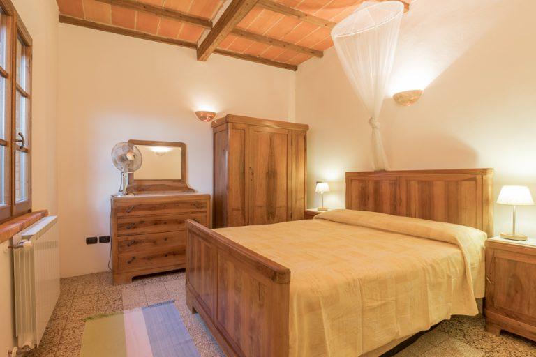 Villa with swimming pool Luisa Lucignano bedroom