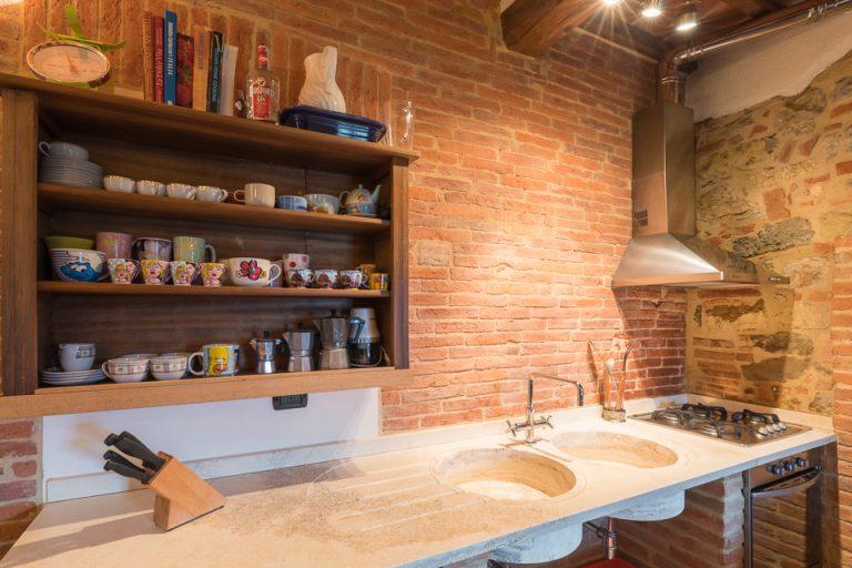 Villa with swimming pool Luisa Lucignano kitchen marble