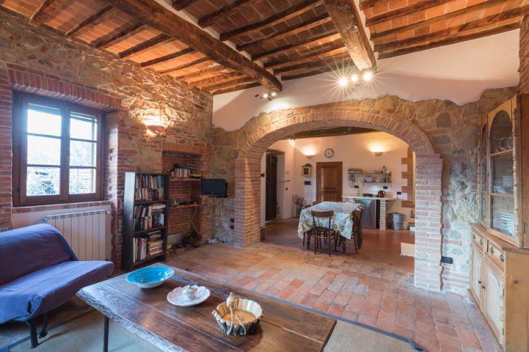 Villa with swimming pool Luisa Lucignano living room (2)