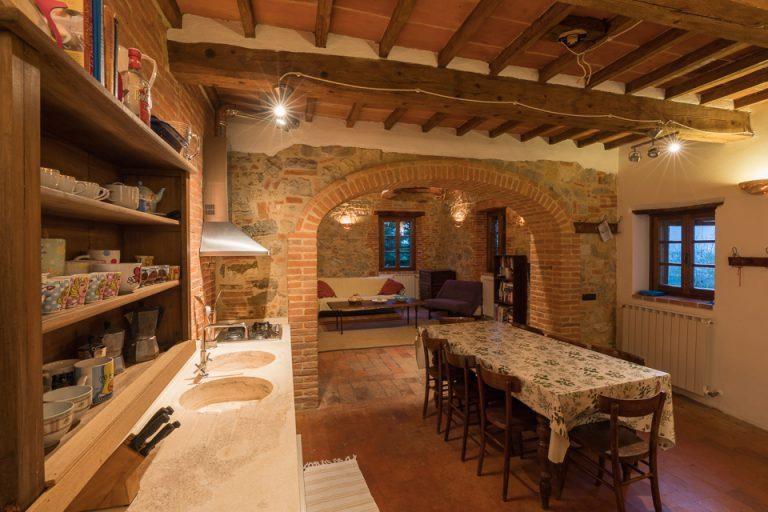 Villa with swimming pool Luisa Lucignano living room kitchen