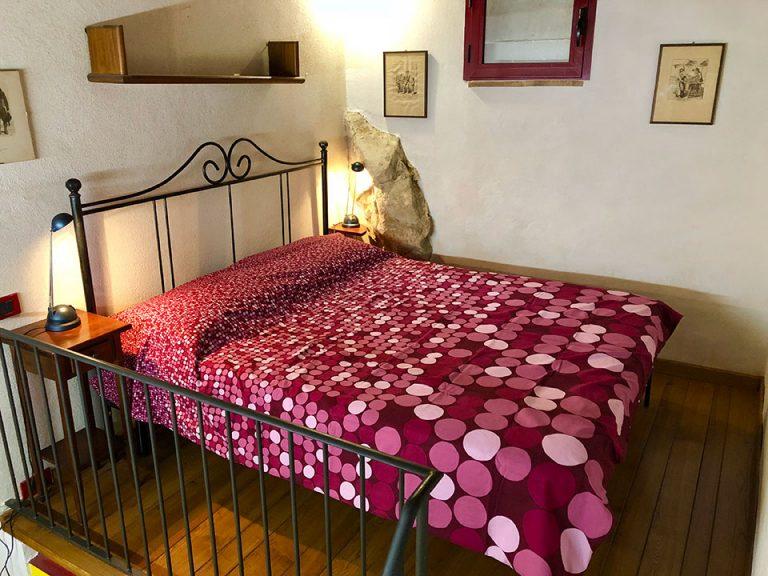 bed-Studio-Resmira-Bedroom-Lucignano