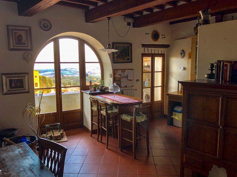 living-room-la-casa-sui-tetti-lucignanolikelocals-(2)
