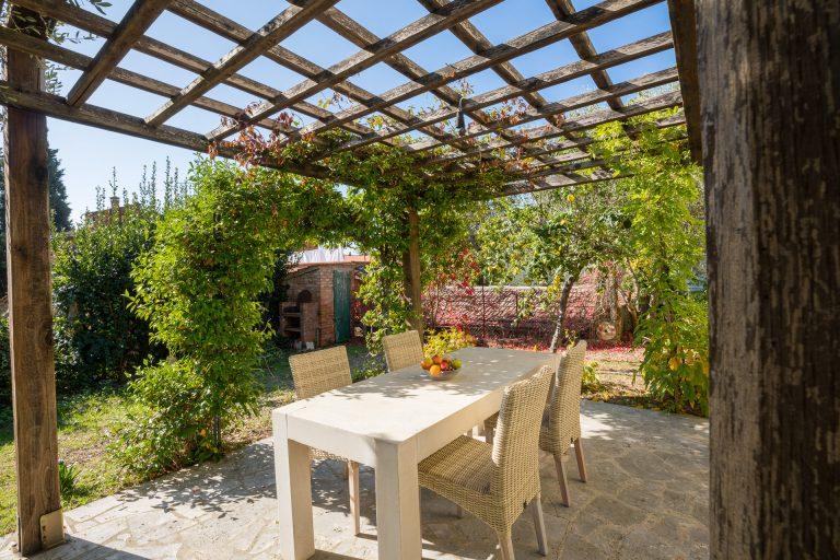 Casa con giardino WEB-6